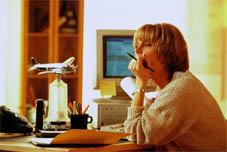 Женщина в офисе. Фотографии. Всё о человеке. Лицо. Внешний вид. Фото. Картинки. Изображения. Рисунки. Текст.  Woman. Person. Photo. Human being. Individual. Pictures. Text.